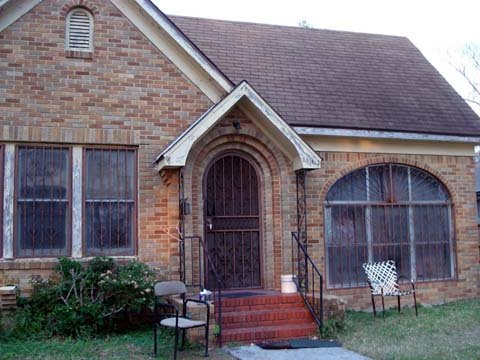 We buy houses in any condition in Dallas, Texas.