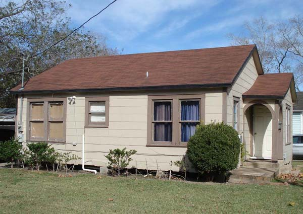 We are a Dallas Home Buyer Company and we buy small houses such as this one.